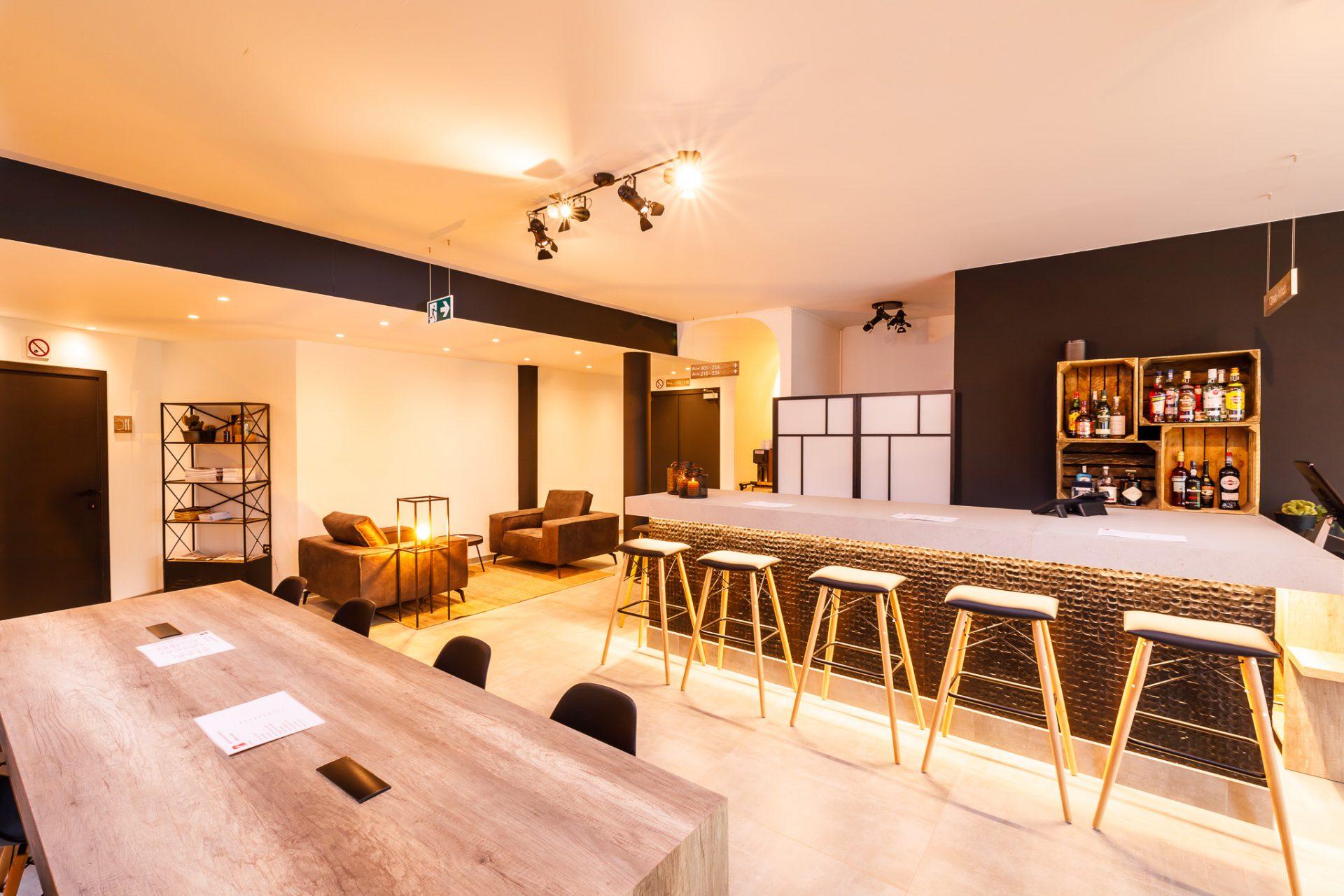Receptie B-Inn hotel te Lier